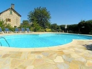 Comfortable House with Dishwasher and Short Breaks Allowed - Saint-Maixent-l'Ecole vacation rentals