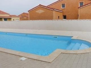 Beautiful 2 bedroom House in Torreilles with Dishwasher - Torreilles vacation rentals