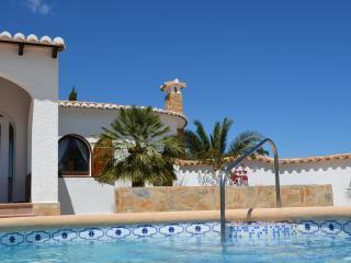 Villa Higuera - WLAN, Klima, onSuite, Pool-Bar - Benidoleig vacation rentals