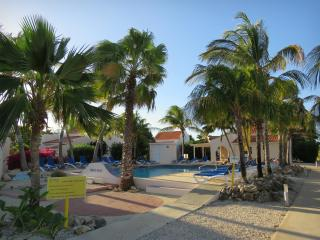 Spacious 1 Bedroom Condo, Beach, Dive Shop, Pool - Kralendijk vacation rentals