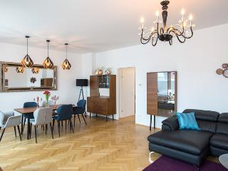 130m² Inner City Deluxe Penthouse for 6 to 8 II - Vienna vacation rentals
