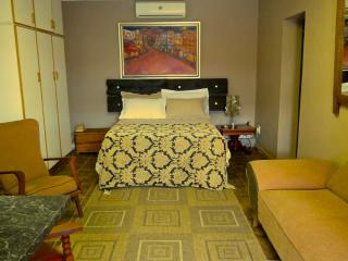 Beautiful Bed and Breakfast with Internet Access and A/C - Calvinia vacation rentals