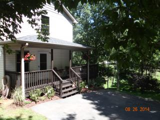LOW weeknight rates! Visit Asheville & Biltmore! - Asheville vacation rentals