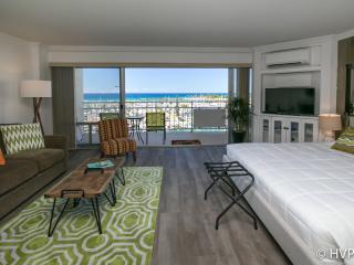 STUNNING OCEAN & SUNSET VIEWS @ Waikiki Beach - Honolulu vacation rentals