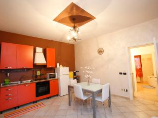 Nice House with Internet Access and A/C - Volta Mantovana vacation rentals