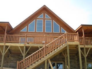 Highrock Retreat - Luxury Cabin/Dine-in Wine Room - Black Mountain vacation rentals