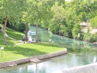 Vacation at the Comal River-Relaxing or Tubing - New Braunfels vacation rentals