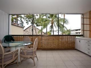 Kona Plaza In The Heart of Kailua Kona - Kailua-Kona vacation rentals