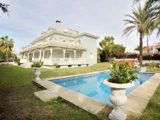 7 bedroom Villa with Internet Access in Marbella - Marbella vacation rentals