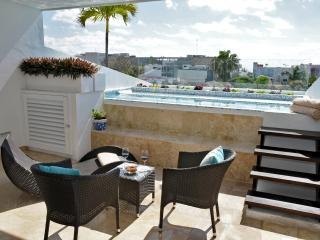 Ocean View Studio Apartment with Private Pool - Playa's 12th Street- CFPH - Playa del Carmen vacation rentals
