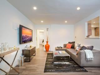 Modern 1 bedroom with Pool - West Hollywood vacation rentals