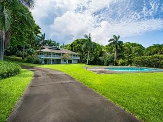 2 bedroom with Pool-Newly Renovated Holualoa Villa - Kailua-Kona vacation rentals