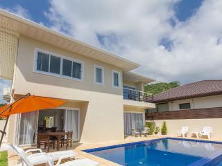 Nice villa for 6,  very good price - Maret vacation rentals