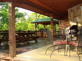 3 bedroom Lodge with Internet Access in Broken Bow - Broken Bow vacation rentals