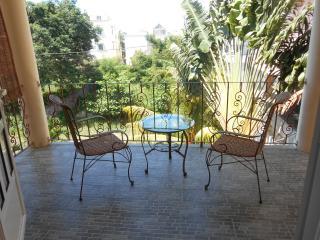 Villa Fleur de Cannes  1 ch 2èm étage - Mont Choisy vacation rentals