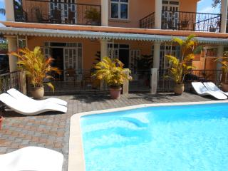 Residence Le Palmier - 2 chambres 1 etage - Mont Choisy vacation rentals