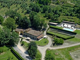 Agriturismo vicino a Firenze App.OLIVO - Reggello vacation rentals
