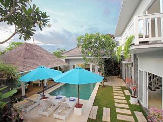 Batubelig Beautiful Villa (3) - Seminyak vacation rentals