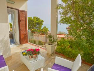 House of Flowers 40 meters from the sea - Santa Flavia vacation rentals