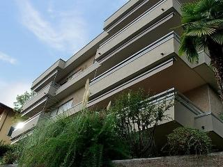 2 bedroom Apartment with Internet Access in Lugano - Lugano vacation rentals