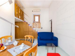 """""""High Design"""" near Colosseo and Termini Station - Rome vacation rentals"""