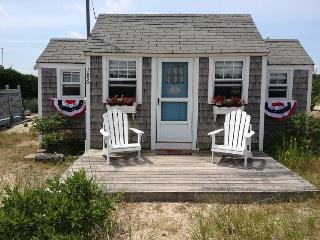 Bright 1 bedroom East Sandwich House with Deck - East Sandwich vacation rentals