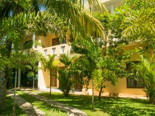 Sholay Villa - Family Holiday Bungalow - Galle vacation rentals