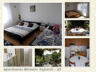 Comfortable apartment (A5) for 8, near sandy beach - Duce vacation rentals