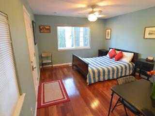 Spacious room with full bath & Private Entrance - San Jose vacation rentals