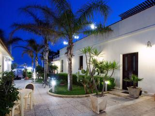 Perfect 1 bedroom Vacation Rental in Ispica - Ispica vacation rentals