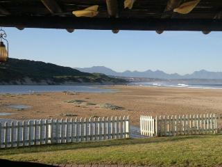 3 bedroom House with Satellite Or Cable TV in Hartenbos - Hartenbos vacation rentals