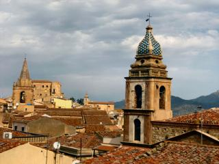 Cozy Castelbuono vacation Apartment with Internet Access - Castelbuono vacation rentals