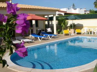 Air conditioned 1 and 2 bedroom villa apartments - Albufeira vacation rentals