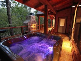 Sunset Creek Spa Cabin - Spa Amenities (Sleeps 4) - Broken Bow vacation rentals