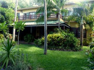 Villa le jardin tropical acces direct de  plage - Pointe d'Esny vacation rentals