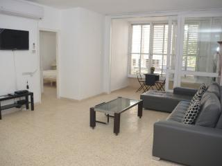 4 rooms apartment in the center of Netanya - Netanya vacation rentals