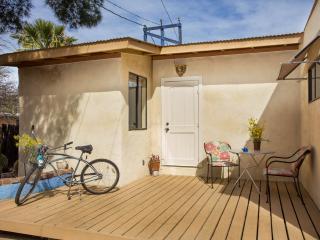Studio 5 blocks to 4th, 7 to UA - Tucson vacation rentals