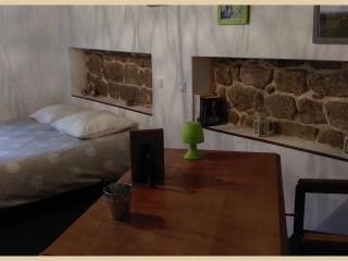 Le Bouchon de Campagne,  chambre Praline - Lamastre vacation rentals