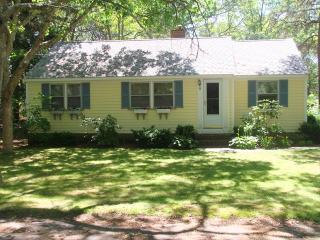 1 Mile to S.Village Beach - 3 Bedrooms with A/C, WiFi - DE0546 - Dennis vacation rentals