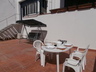Cozy 2 bedroom Calella De Palafrugell Apartment with Television - Calella De Palafrugell vacation rentals