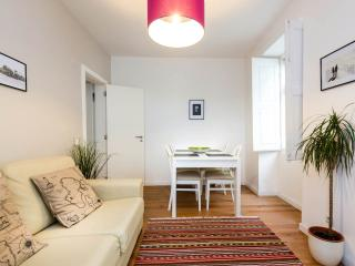 Lovely Apartment next to Sra do Monte Viewpoint - Lisbon vacation rentals