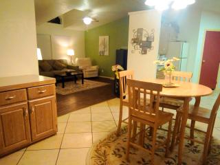 NOW AVAIL DURING GEM SHOW!!!    Views-Fireplace/Gas BBQ/Pool Table/Jetted Tub - Tucson vacation rentals