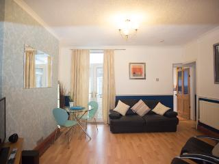 Cottage with hillside views, Cardiff (sleeps 7) - Cardiff vacation rentals