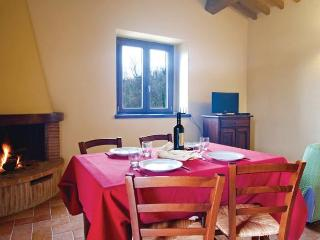 1 bedroom Apartment with Internet Access in Camporgiano - Camporgiano vacation rentals