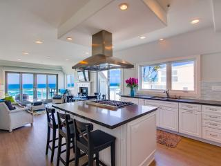 Gorgeous House with Internet Access and A/C - Mission Beach vacation rentals