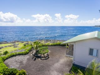 Cozy House with Internet Access and Dishwasher - Keaau vacation rentals