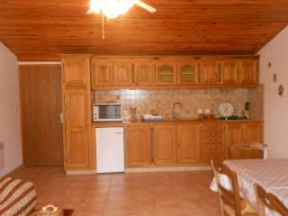 2 bedroom Condo with Balcony in Raphele-les-Arles - Raphele-les-Arles vacation rentals
