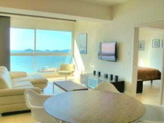 Ocean View 1 Bedroom Apartment Balboa Avenue - Panama City vacation rentals