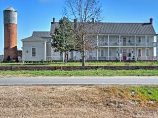 New Listing! 'Smithsonia Plantation' Historically Beautiful 4BR House near Athens w/Wifi, Large Private Deck & Pristine Views - Great Location! Close to Athens, Watkinsville Park & More! - Colbert vacation rentals