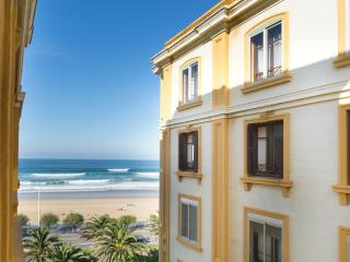 Hollywood La Zurriola - Iberorent Apartments - San Sebastian - Donostia vacation rentals